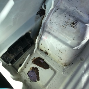 Vw t4 rust behind wheel arches
